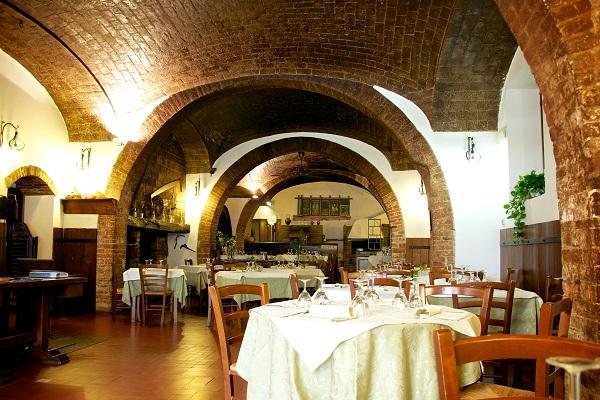 interno ristorante_la cantina